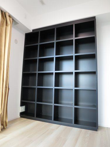 ブラックのかっこいい本棚&カウンター収納|東京都・新宿区|マンション