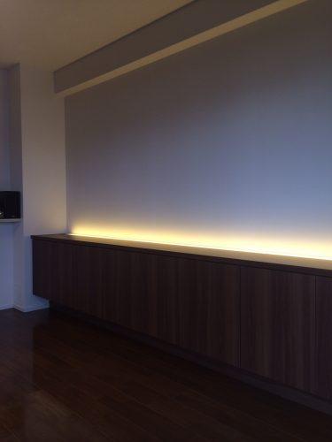 『間接照明』がキレイなリビングボード