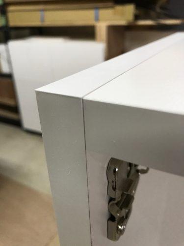 工場での家具の組み立て! その2